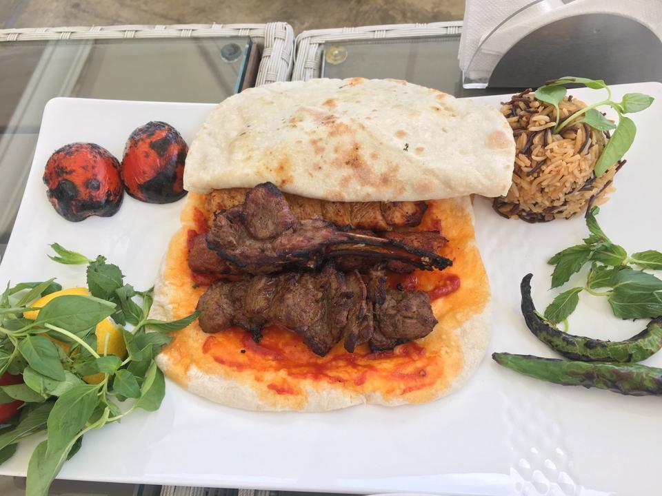 رستوران خیمه نیاوران - رستوران های معروف تهران