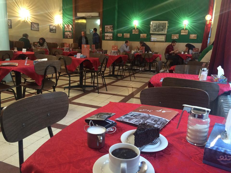 رستوران کافه نادری - معروف ترین رستوران های تهران