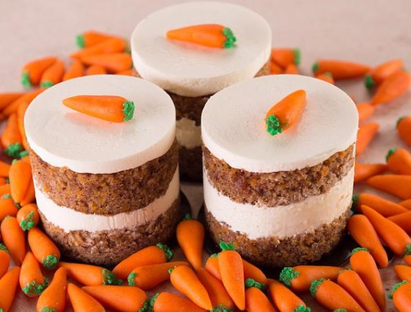 کیک هویج لوندر