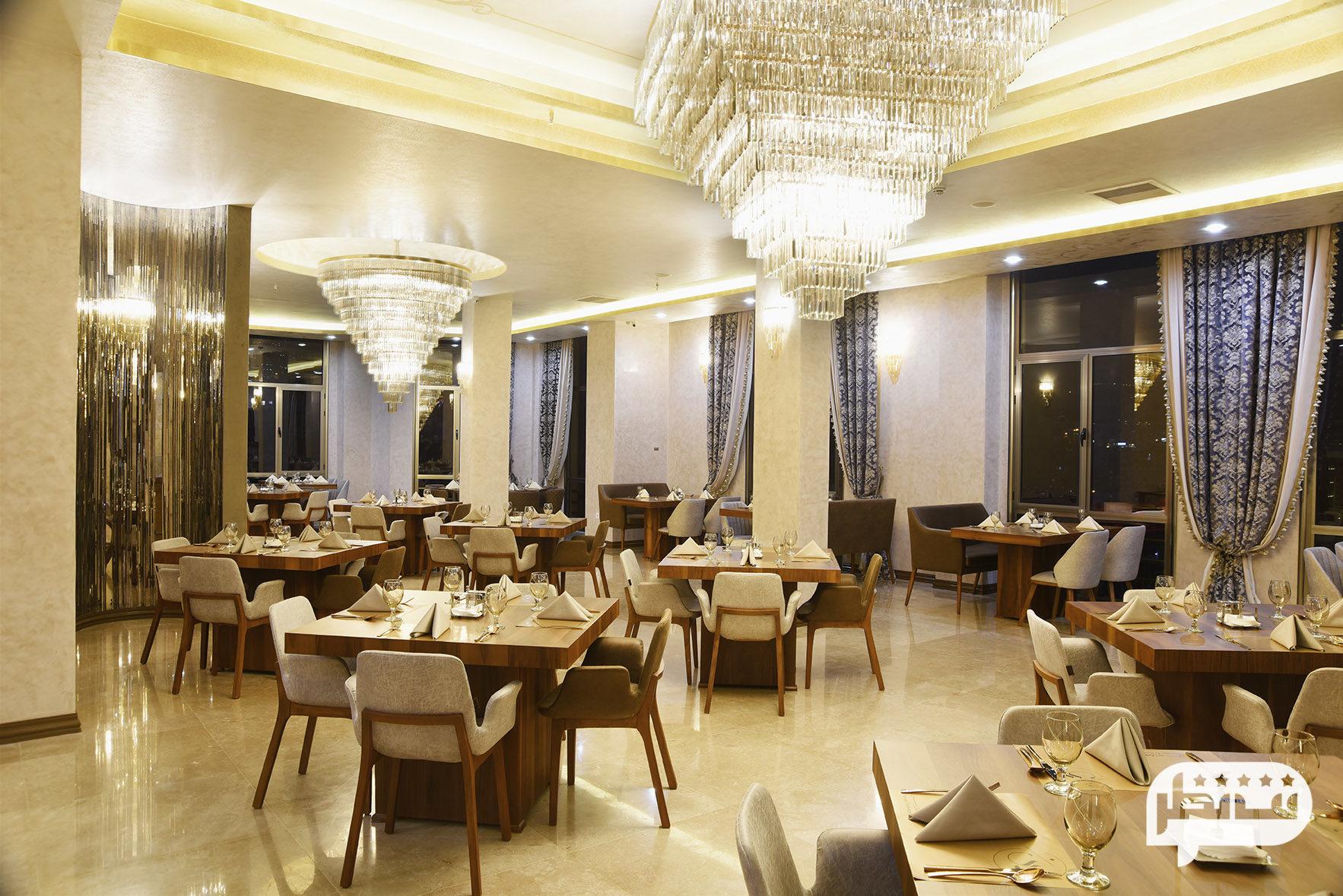 رستوران تهران بین سعادت آباد