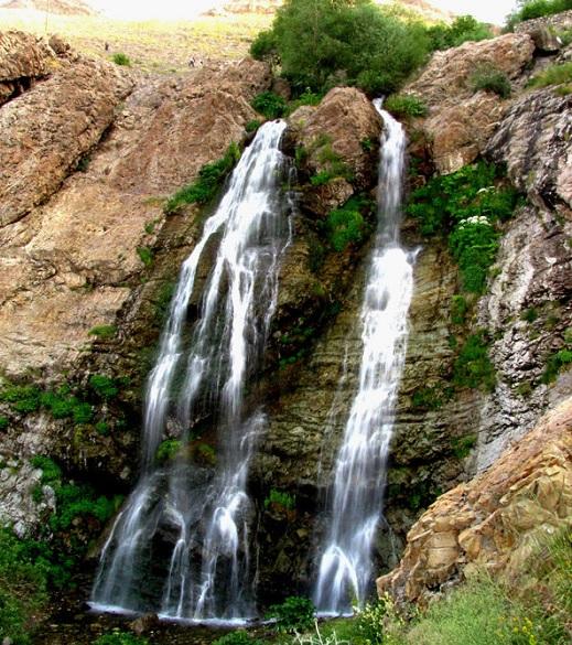 طبیعت گردی در آبشار دوقلو