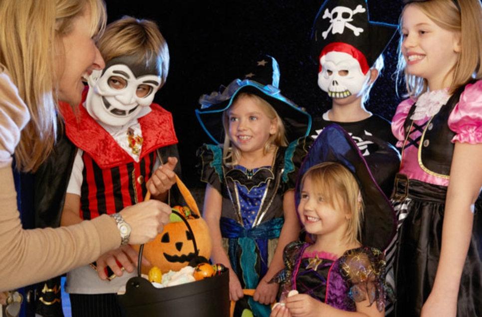 تاریخچه هالووین و تشریح مراسم قاشق زنی هالووین