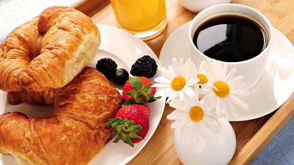 صبحانه در فضای بیرونی