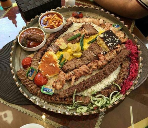 رستوران سنتی مرشد وافع در میدان تجریش