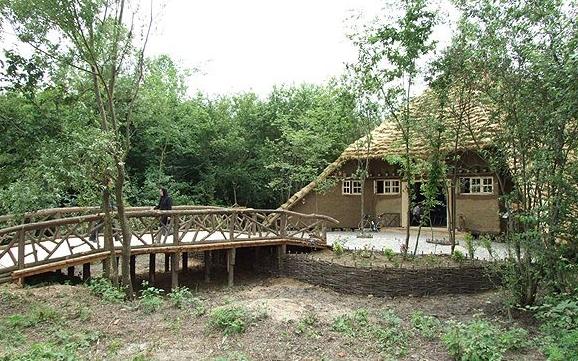موزه میراث روستایی گیلان واقع در پارک جنگلی سراوان