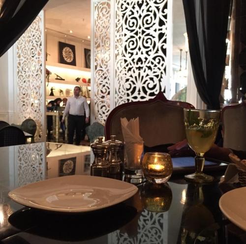 رستوران دیوان مدرن ترین رستوران تهران است