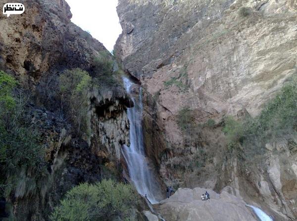 نوژان آبشار بلند