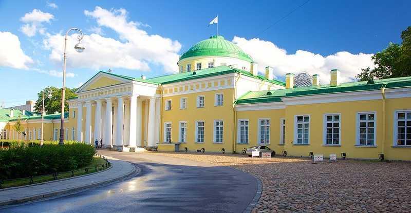 کاخ تاوری در سن پترزبورگ