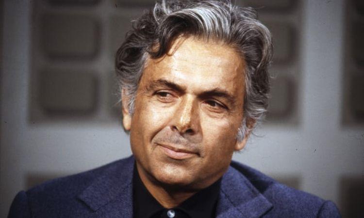 ابراهیم گلستان یکی از بهترین نویسندگان ایرانی