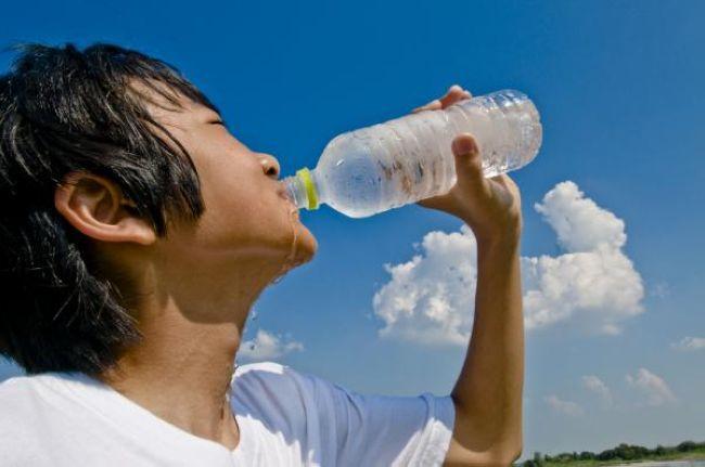 ضرورت نوشیدن آب در تابستان