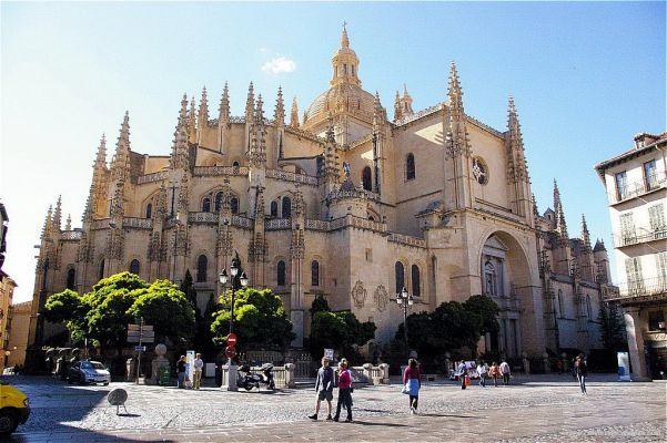 معرفی کلیساهای بزرگ جهان