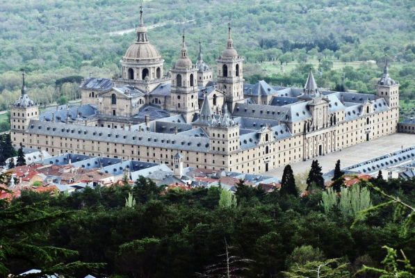 زیباترین کاخ سلطنتی اروپایی در کدام کشور است