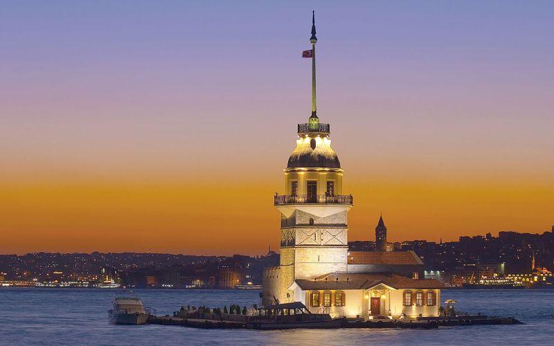 برج دختر در استانبول یکی از جاذبه های گردشگری ترکیه