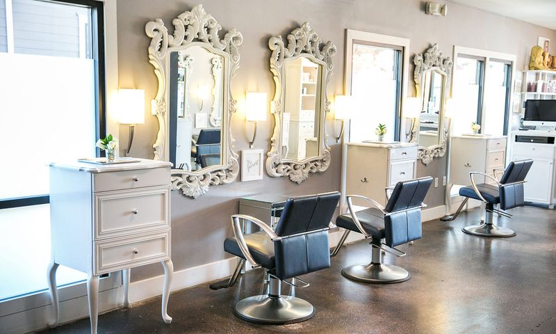 لیست 10 تایی بهترین آرایشگاه عروس مشهد