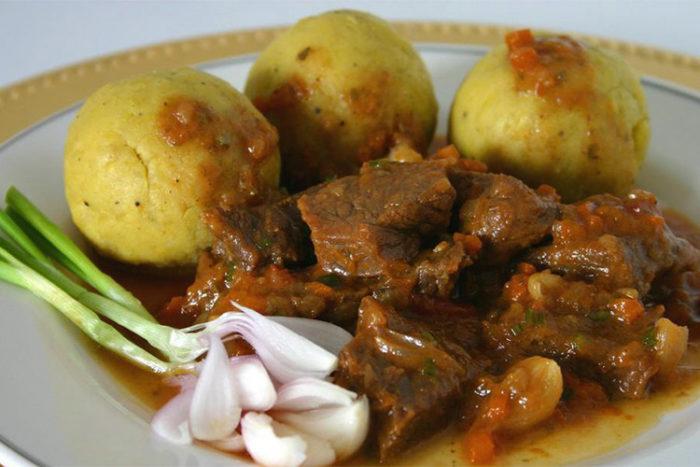 غنا و غذای گیاهی فوفو