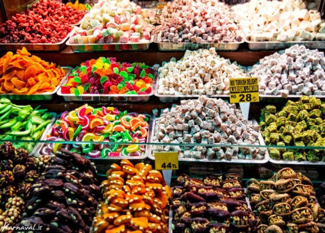 بازار رنگارنگ اوزون چارسی در ترکیه
