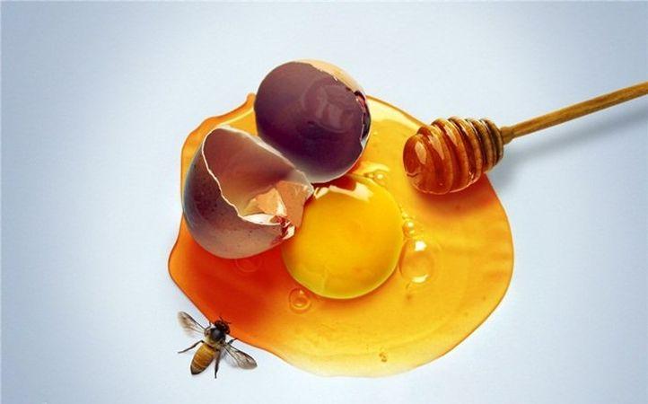 ماسک تخم مرغ و عسل یک راه خوب برای جوان سازی پوست