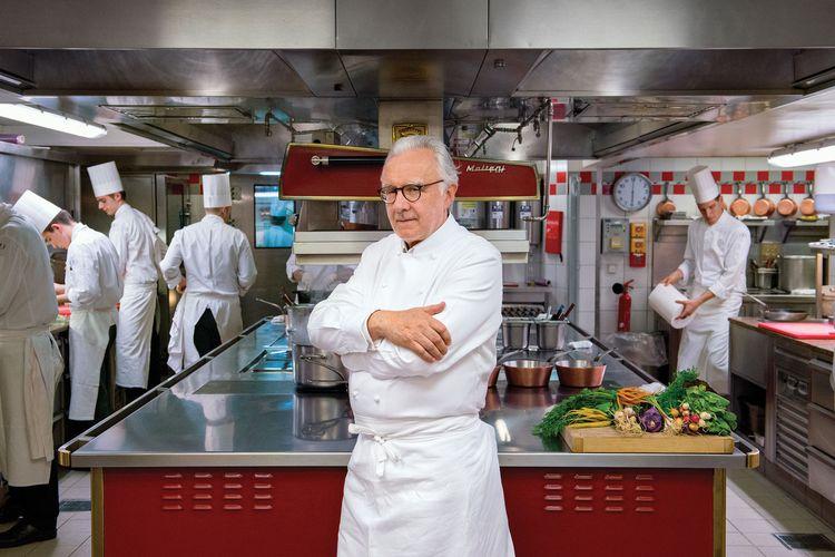 آلن دوکاس یکی از معروف ترین سرآشپزهای دنیا