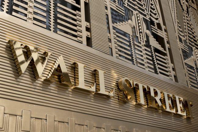 وال استریت (Wall Street) از شناخته شده ترین خیابان ها در سطح جهانی