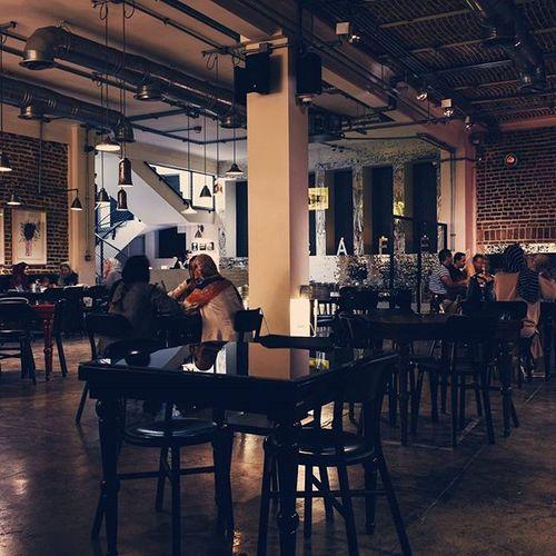 وی کافه بهترین کافه تهران