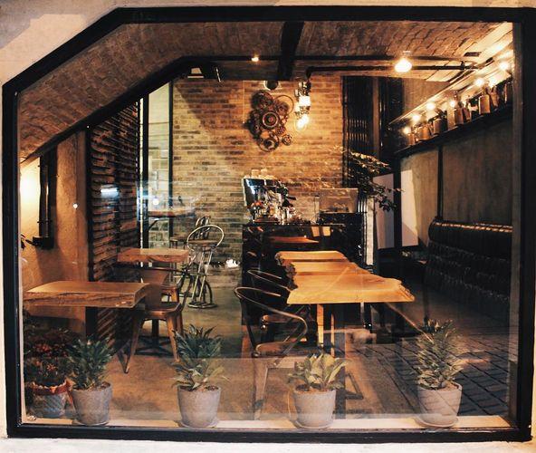 کافه دیگر یکی از زیباترین کافه های تهران