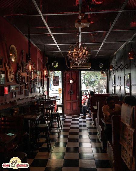 کافه پارادایزو یکی از کافه های خوب تهران