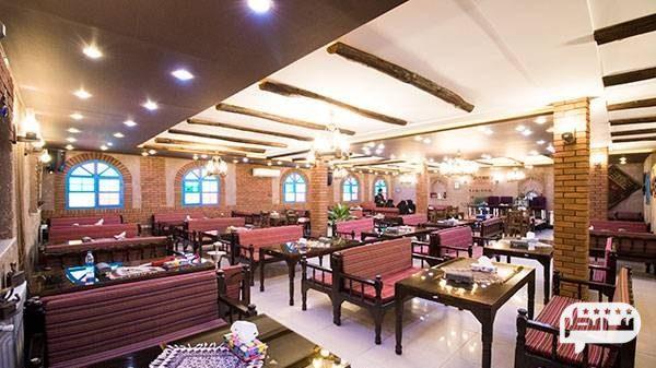 رستوران کاه گل از رستوران های زیبا با دکوراسیون شیک