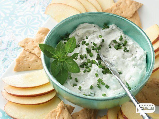 نان، ماست و سبزی خوردن یکی از ساده ترین شام های رژیمی