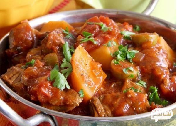 گوشت با سیب پخته و کلم پیچ مناسب برای کاهش وزن سریع