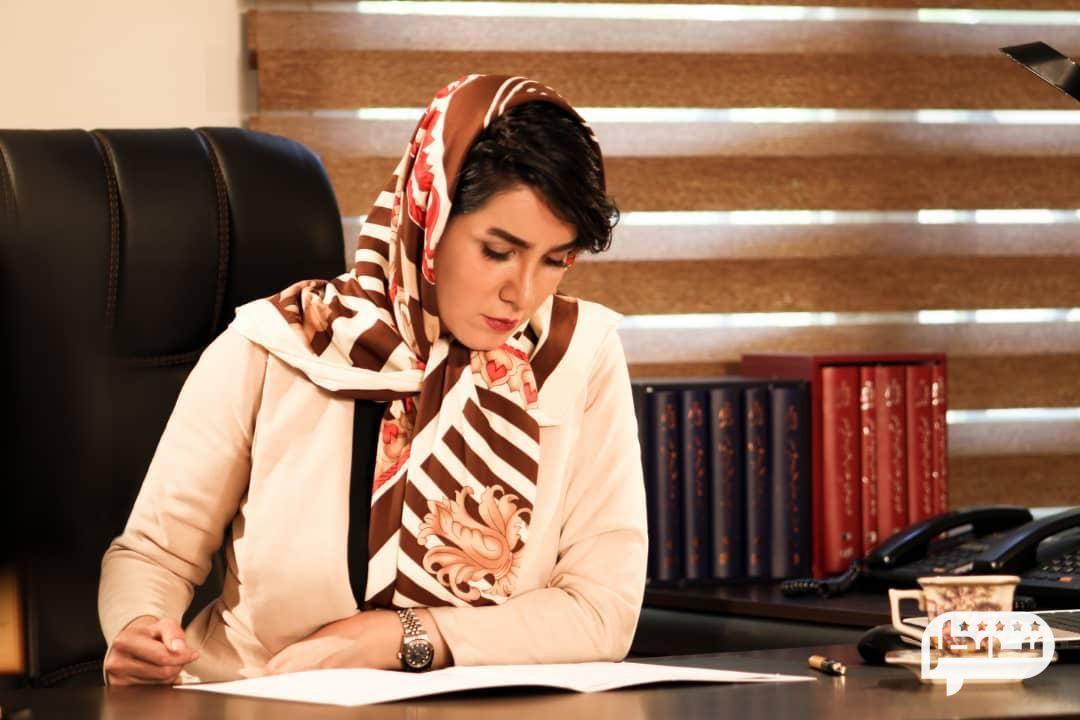 مونا ترابی بهترین وکیل پایه یک دادگستری تهران
