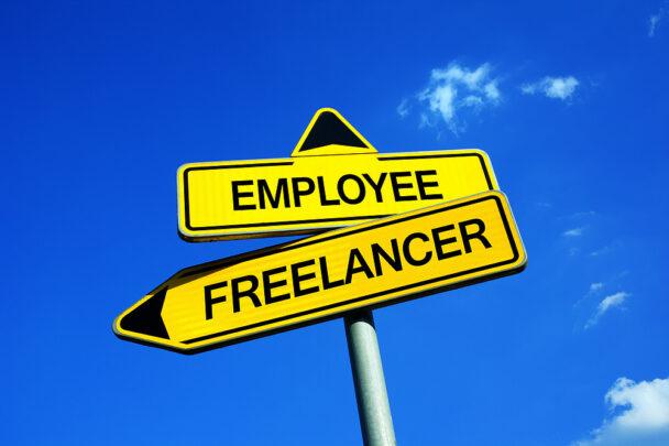 تفاوت فریلنسری با کارمندی - کدام یک را انتخاب کنیم؟